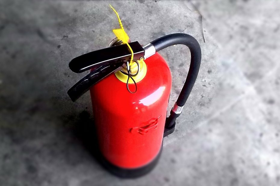 fire extinguisher to protect your family and home